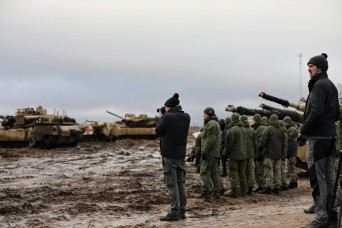 1-9 CAV Soldiers and European Allies Join Forces at CALFEX