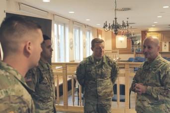 USAREUR commander recognizes heroism of 2CR Soldiers