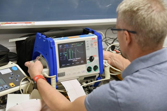 Testing pulmonary monitor