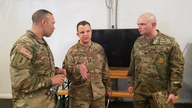 1st Infantry Division command sergeant major meets with troops while in Poland