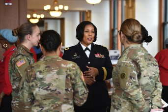 Chicagoland Soldiers and Veterans rally around all-female Honor Flight announcement