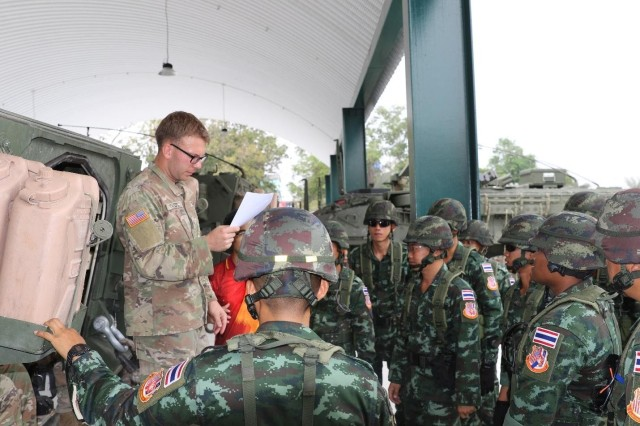 2-1 IN Trains with Thai Army