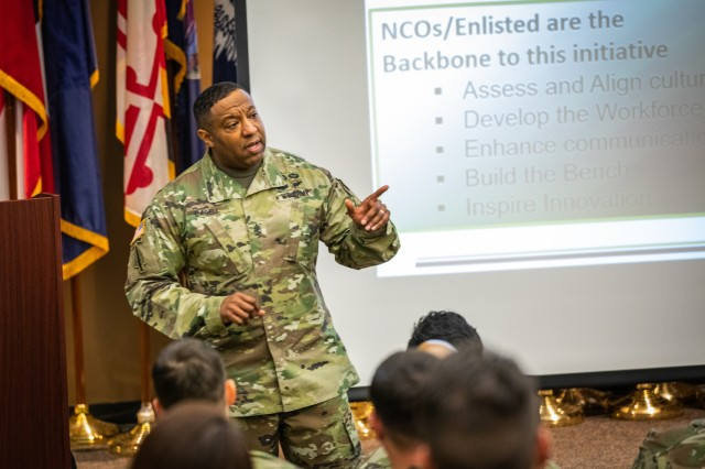 Finance & Comptroller Sergeant Major Speaks at Fort Bragg