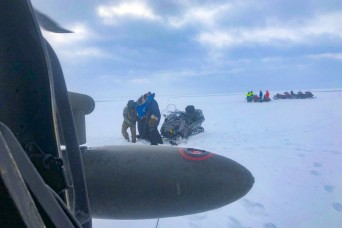 Alaska Army Guard helps rescue Iditarod mushers