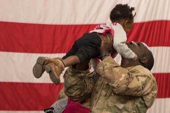 Nearly 800 Soldiers return home after Middle East deployment