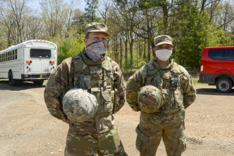 Pennsylvania Guard Soldiers honored for aiding crash victim