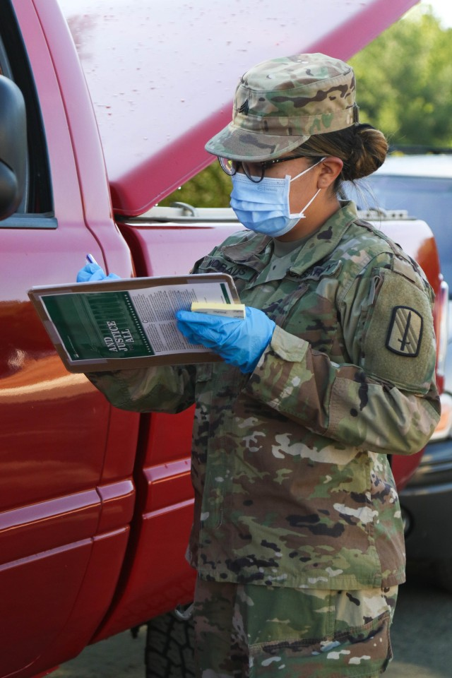 NCARNG assists Spanish-speaking citizens during COVID-19