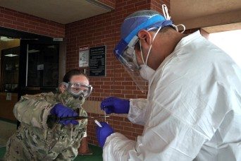 Mobile Texas National Guard team conducts COVID-19 tests