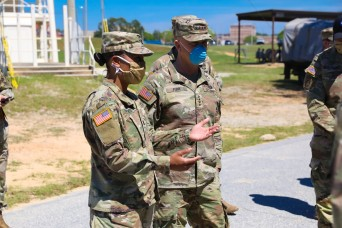 Captain impresses TRADOC CG with COVID-19 mitigation measures for Airborne students, cadre safety