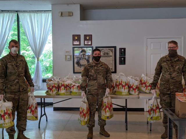 20th CBRNE Soldiers volunteer to feed local community members