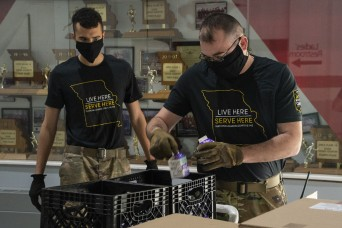 Missouri National Guard delivers school lunches