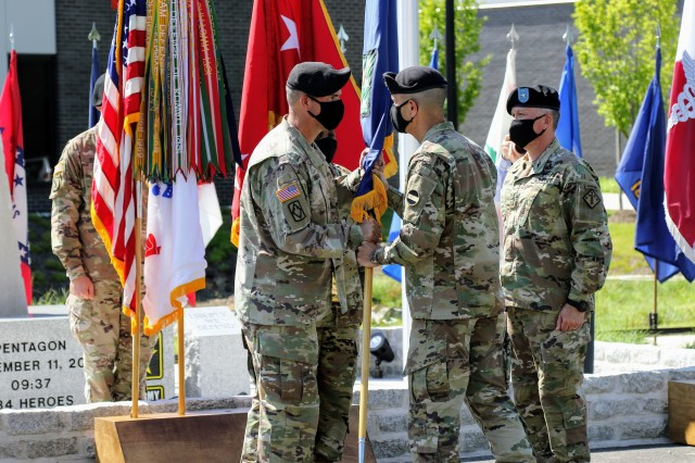 Munera takes command of Army's sole EOD, CBRN integrated command