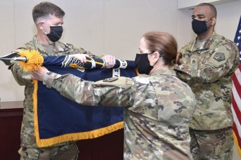 Army Cyber Command headquarters cases colors as it departs National Capital Region