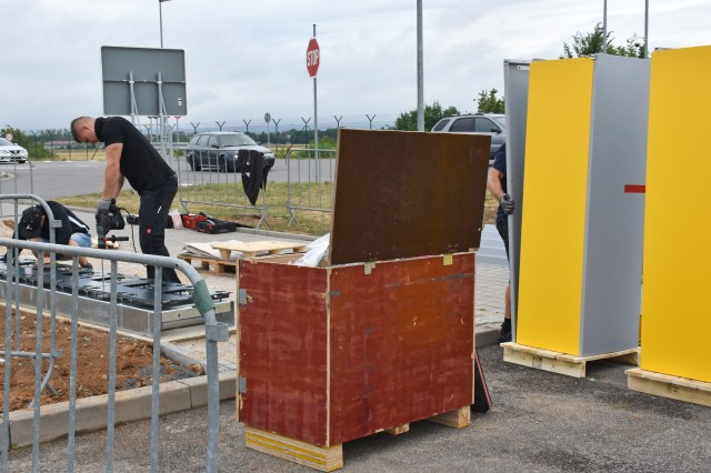 WIESBADEN, Germany -- A DHL Packstation is being set up July 9, 2020,  in the visitors' parking lot outside Clay Kaserne to benefit the American community and Erbenheim residents. Beginning July 13, community members will be able to order online from German shops and delivery stores and have their packages delivered to the Packstation.