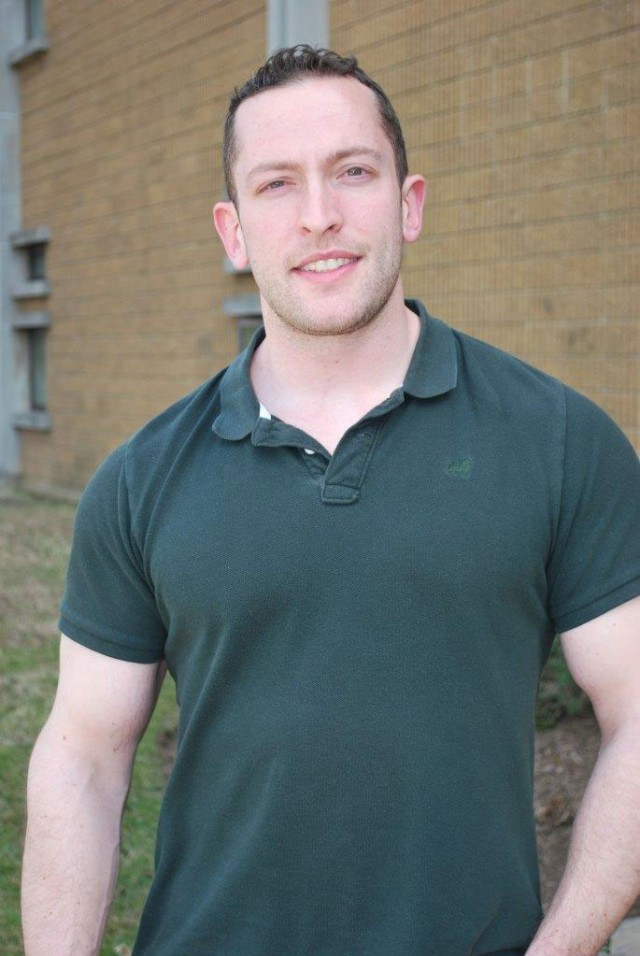 Working in many different areas in the scientific community, Dr. Brandon Perelman decided on cognitive science and human factors due in part to his military background.
