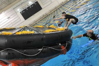 Mariners take plunge for raft training