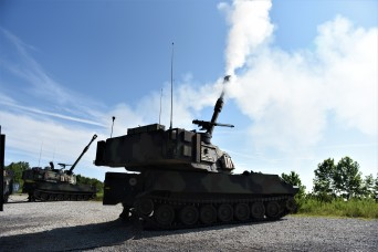 Kentucky National Guardsmen conduct field artillery training at Fort Knox ranges