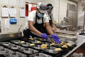 Fort Rucker food services team rises to challenge of keeping quarantined Soldiers well fed