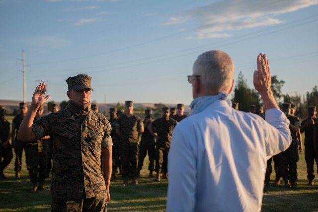 Mattis swears in new Guard member in Marine2Guard program