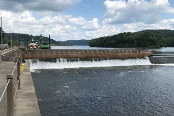 Teamwork and Innovation – Investigating Foundation Erosion on the Allegheny River