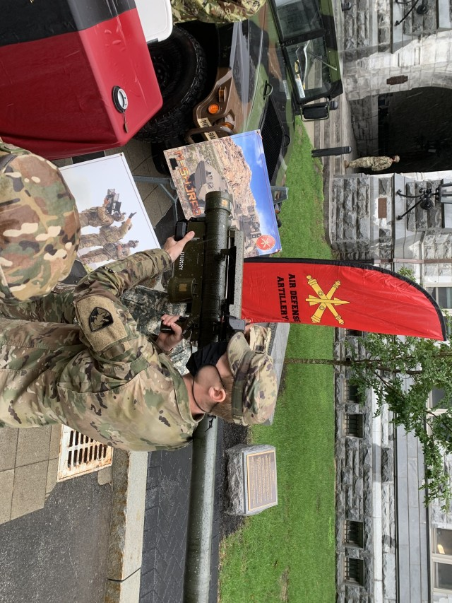 A U.S. Army Military Academy cadet operates a training Stinger missile during Branch Week at West Point, New York. (U.S. Army photo by Don Herrick)