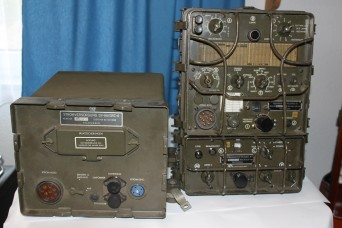 German donates historic radio to MCC museum