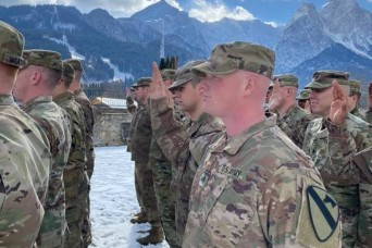 1st Cavalry Division takes first place for retention rates in the Army