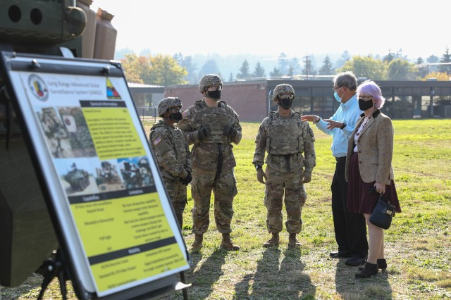 Local Community Leaders Visit JBLM