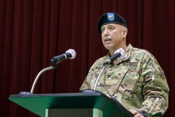 2501st Digital Liaison Detachment changes command