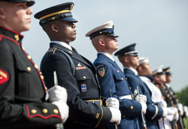 SMDC honors veterans continuing to serve