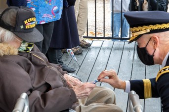 First Army helps welcome home 92-year-old Korean War veteran