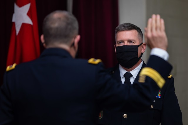 U.S. Army Reserve Brig. Gen. Kevin Meisler recites the oath of office during his promotion ceremony at Joint Base San Antonio-Fort Sam Houston Dec. 5, 2020. With the promotion, Meisler takes command of the 4th Sustainment Command (Expeditionary), which directs more than 6,500 Army Reserve Soldiers throughout Texas, Oklahoma, Arkansas, and New Mexico. (U.S. Army photo by Capt. David Gasperson)