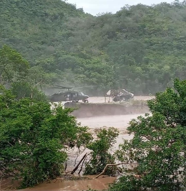 A U.S. HH-60 Black Hawk helicopter assigned to the 1-228th Aviation Regiment, Joint Task Force-Bravo rescued victims of Hurricane Eta stranded in floodwaters following the effects of Hurricane Eta in Honduras, Nov. 5, 2020. JTF-B's training and strategic location allows them to mobilize and respond to an emergency with very short notice, enabling them to rapidly respond to the needs of our partners. (Courtesy photo)