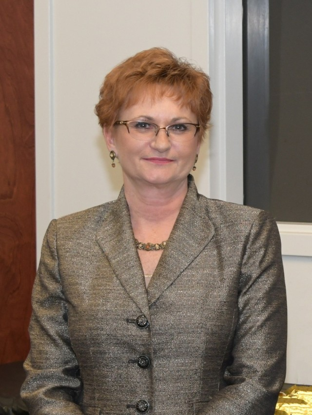 After more than three decades of federal service, Marsha Bailey, U.S. Army Aviation and Missile Command Logistics Center utility directorate director, has decided to retire.
