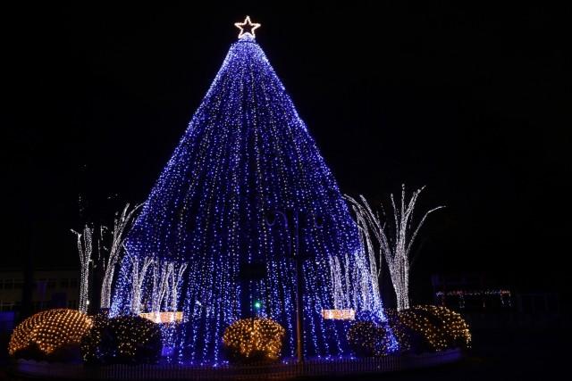 The lit-up holiday tree at Camp Zama, Japan, Dec. 13.