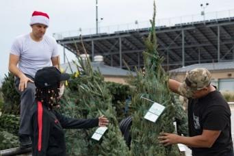 'Oh, Christmas Tree, Oh, Christmas Tree' ... you went to Fort Hood families