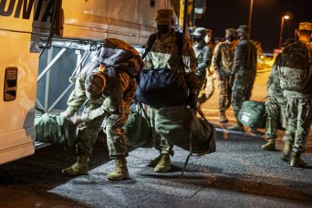 Amid pandemic, Army initiative safely moves Soldiers home in time for Christmas