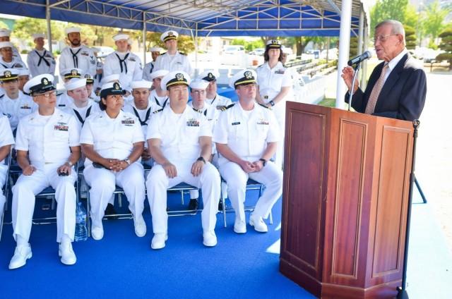 Lou Holtz speaks to service members at U.S. Army Garrison Yongsan, South Korea, June 5, 2017.