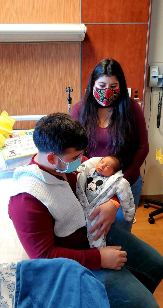 Sgt. Alan Delcid and Quetzali Gisselle Delcid Juarez with their son Landon, born January 1, 2021.