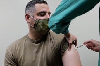 Fort Campbell garrison leaders set example by getting vaccine