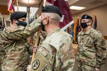 Taking the colors, JBLM's SRU gains a new commander