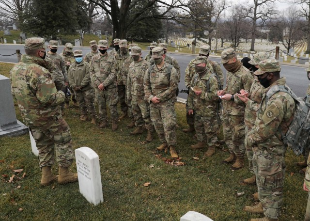 NYNG Soldiers honor state heroes at Arlington Cemetery