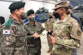 RoK Army 4-star general visits APS-4 at Camp Carroll