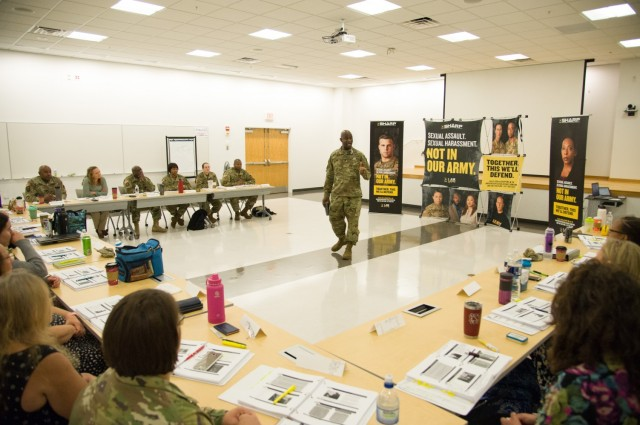 Maj. General Kilgo, commander of the U.S. Army Communications-Electronics Command, opens an in-person SHARP training session in 2019.