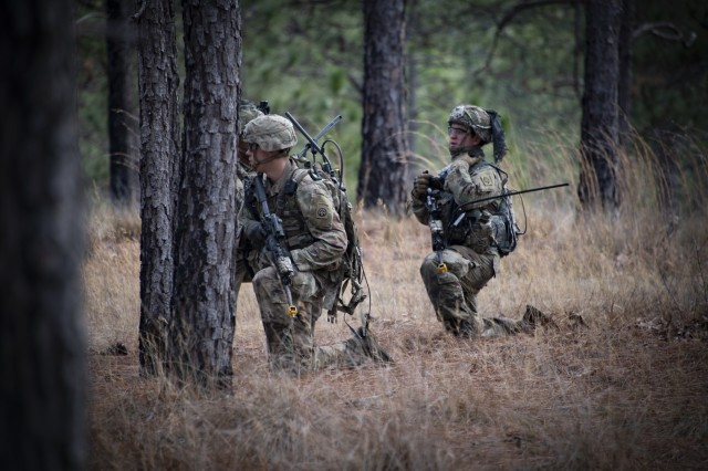 Newest handheld leader radios get tested by elite Army Airborne forces