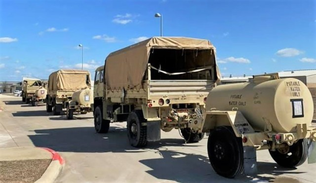 Army Sustainers provide water support to local community