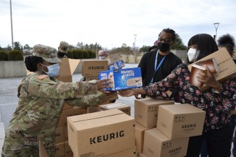 SPECIAL DELIVERY- Fort Gordon medical, military personnel receive coffee with open arms