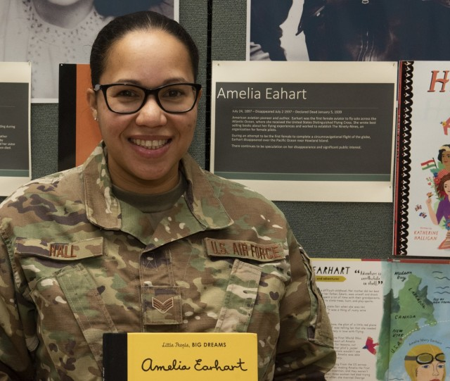 Vermont Guard highlights women in military to preschoolers