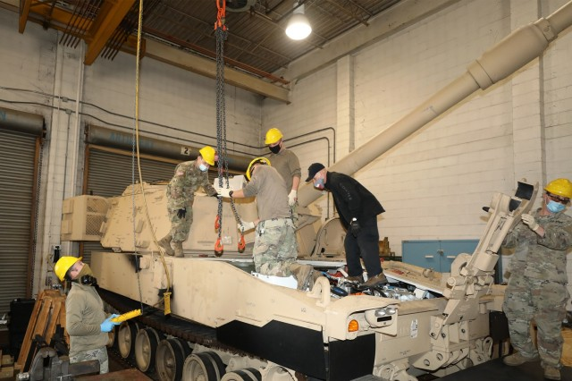 North Carolina National Guard fields new Paladin artillery
