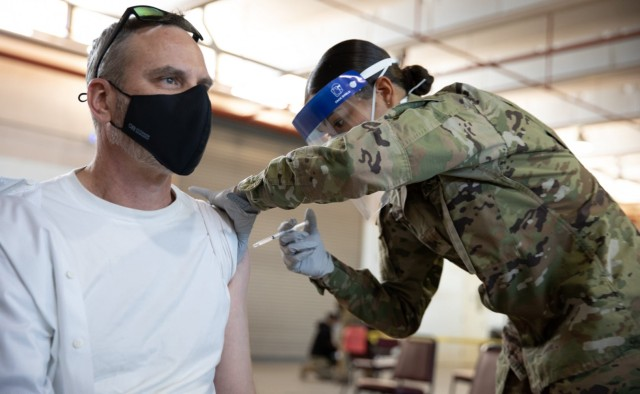New Mexico Guard, USAF join forces to administer vaccines